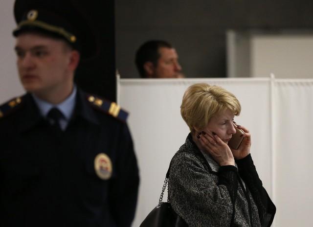 Máy bay Nga bốc cháy dữ dội khi hạ cánh, 41 người thiệt mạng - Ảnh 5.