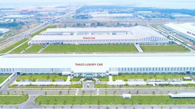 THACO xuất xưởng dòng xe du lịch cao cấp Peugeot Traveller - Ảnh 1.