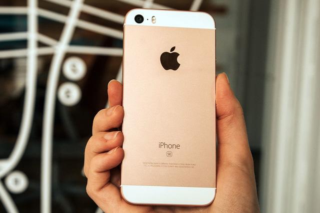 Choáng: iPhone SE được bán với giá chỉ hơn 2 triệu đồng! - Ảnh 1.