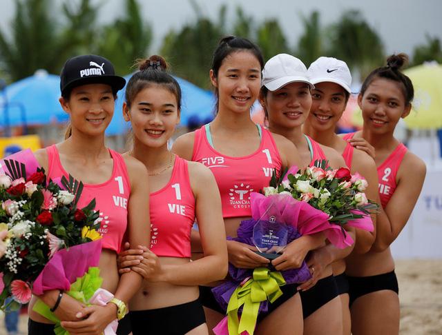 Ảnh: Những khoảnh khắc ấn tượng tại giải bóng chuyền bãi biển nữ thế giới Tuần Châu - Hạ Long 2019 ngày 09/5 - Ảnh 3.
