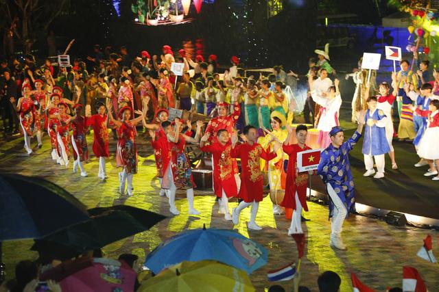 Liên hoan thiếu nhi thế giới VTV 2019: Rộn rã đêm Gala Sắc màu văn hoá bốn phương - Ảnh 15.