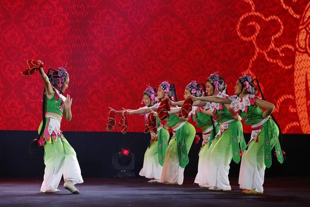 Liên hoan thiếu nhi thế giới VTV 2019: Rộn rã đêm Gala Sắc màu văn hoá bốn phương - Ảnh 6.