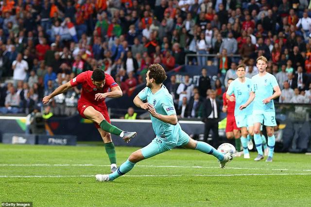 Thắng tối thiểu Hà Lan, Bồ Đào Nha lần đầu vô địch UEFA Nations League - Ảnh 1.