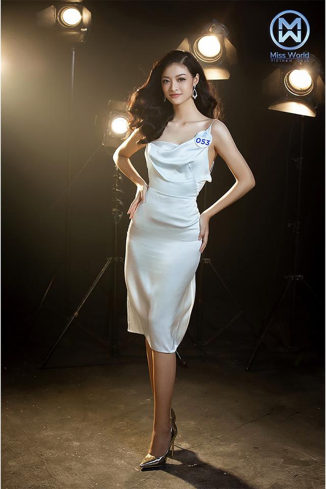 34 thí sinh Miss World Việt Nam 2019 đọ sắc trong đầm cocktail - Ảnh 2.