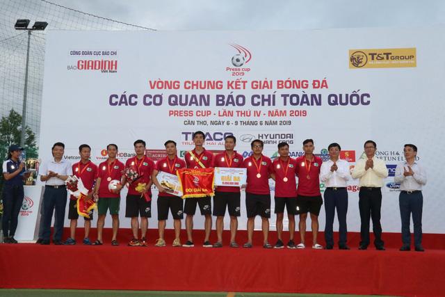 Đội tuyển VTV vô địch giải bóng đá các cơ quan báo chí toàn quốc Press Cup 2019 - Ảnh 3.