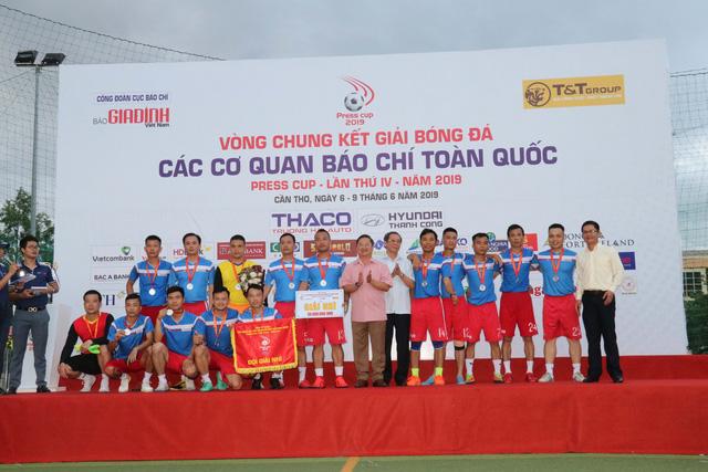 Đội tuyển VTV vô địch giải bóng đá các cơ quan báo chí toàn quốc Press Cup 2019 - Ảnh 2.