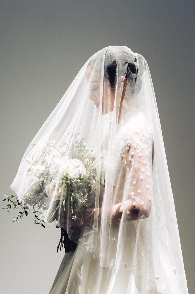 MC Phí Linh khoe ảnh cưới, nhẹ nhàng bước chân vào chương mới của cuộc đời - Ảnh 5.