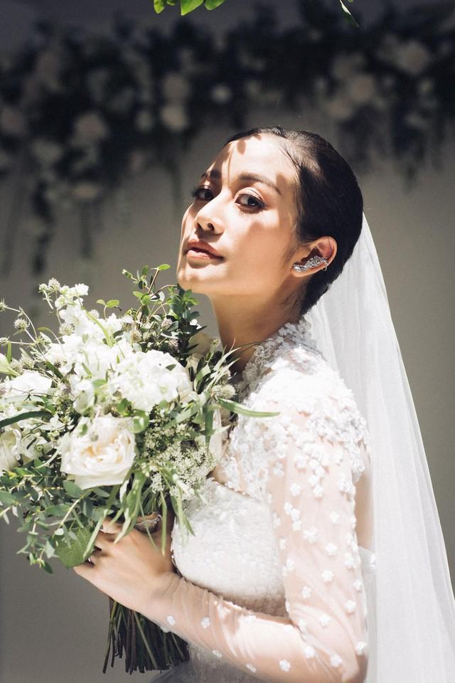 MC Phí Linh khoe ảnh cưới, nhẹ nhàng bước chân vào chương mới của cuộc đời - Ảnh 2.