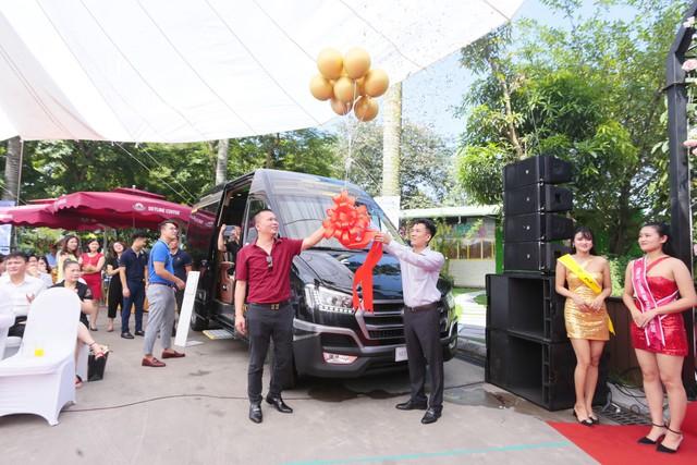 Hyundai Solati độ phong cách sang chảnh Limousine phục vụ giới doanh nhân Việt - Ảnh 5.