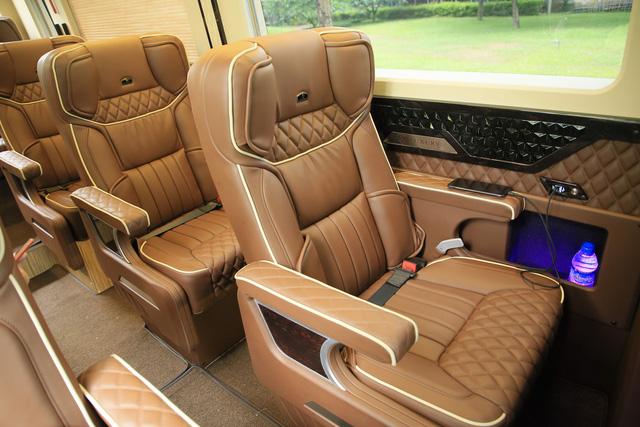 Hyundai Solati độ phong cách sang chảnh Limousine phục vụ giới doanh nhân Việt - Ảnh 6.