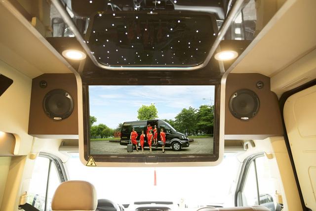 Hyundai Solati độ phong cách sang chảnh Limousine phục vụ giới doanh nhân Việt - Ảnh 7.