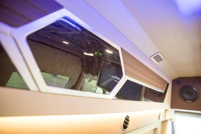 Hyundai Solati độ phong cách sang chảnh Limousine phục vụ giới doanh nhân Việt - Ảnh 8.