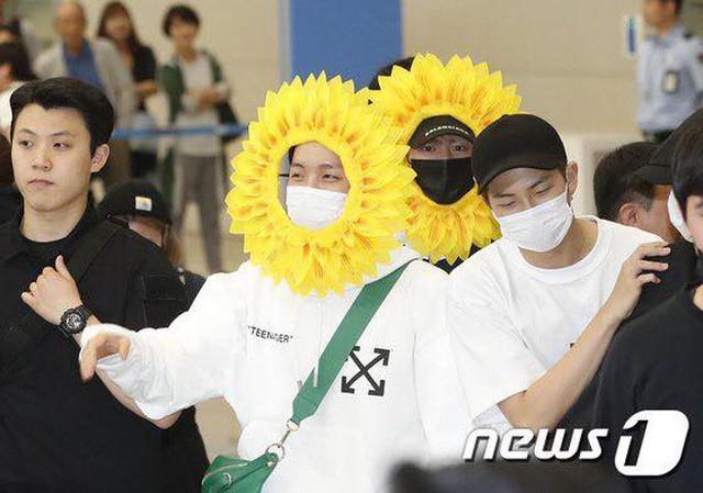 BTS gây choáng với thời trang kiểu... hoa hướng dương - Ảnh 10.