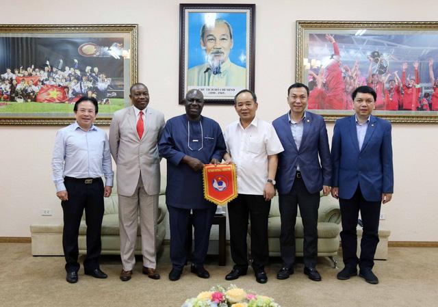 ĐT Việt Nam lên kế hoạch đá giao hữu với ĐT Nigeria - Ảnh 1.