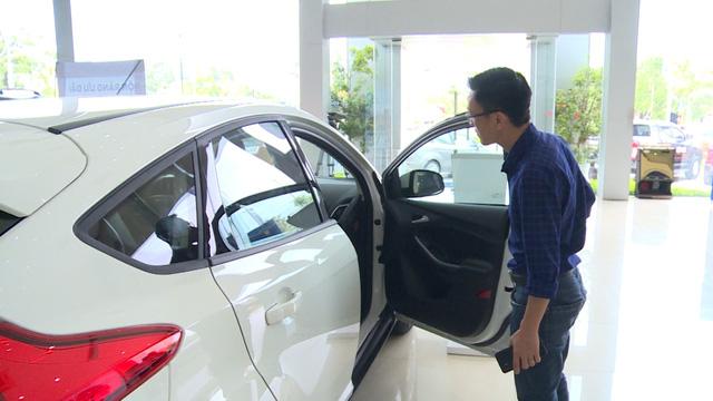 Tiêu thụ ô tô nhập khẩu tăng 210% - Ảnh 1.