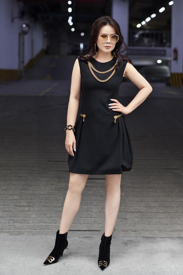 Bí quyết mix đồ dù giản dị vẫn vô cùng quyến rũ của Mrs Vietnam 2018 Trần Hiền - ảnh 7