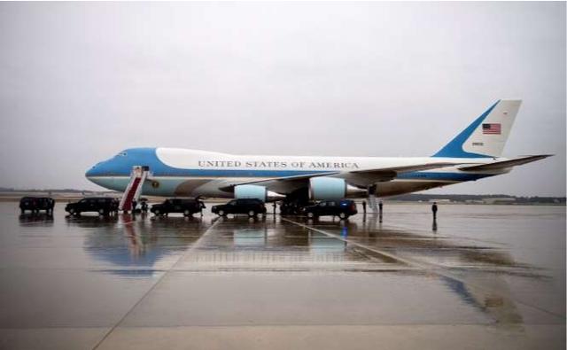 Tổng thống Mỹ hé lộ thết kế mới của máy bay Không lực Một - Ảnh 1.