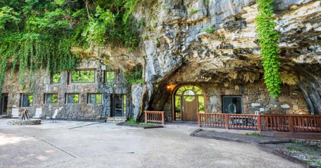 Khách sạn triệu đô xây trong hang động - Ảnh 1.
