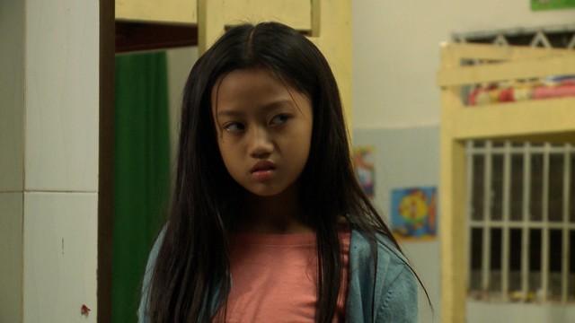 Đánh cắp giấc mơ - Tập 4,5: Bước chân vào nhà giàu, Khánh Quỳnh được yêu quý, em Cám Hải Vân bị mẹ nuôi dằn mặt - Ảnh 1.