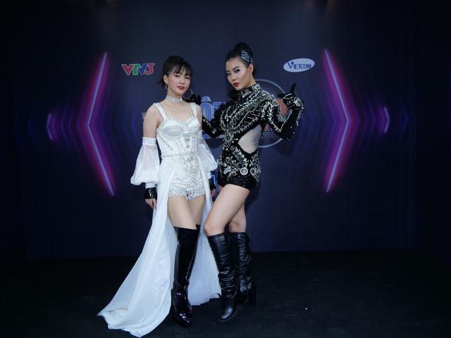 Giám khảo Huy Tuấn bất ngờ khi lần đầu tiên thấy Thanh Hương chơi trống, hát rock cực chất - Ảnh 2.