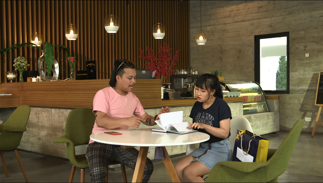 Gia đình 4.0: Thu Đông (Quang Anh) bí mật bán thông tin của chị gái cho người lạ để lấy tiền tiêu vặt - Ảnh 1.