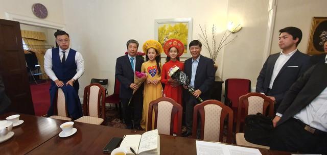 Bảo tồn văn hóa truyền thống và tiếng Việt tại Vương quốc Anh - Ảnh 3.