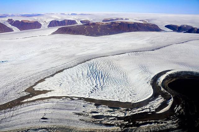 Bức ảnh lột tả hiện trạng băng tuyết tại Greenland gần đây - Ảnh 2.