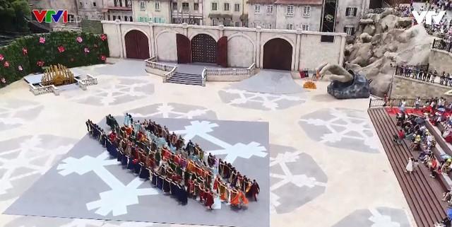 Vũ hội Ánh Dương - Show diễn đẳng cấp thế giới - Ảnh 1.