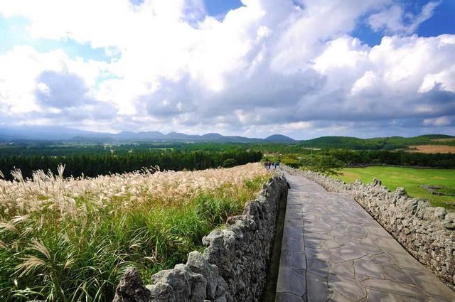 Khám phá 3 điều tuyệt vời nhất tại Jeju - Hàn Quốc vào mùa hè này - Ảnh 1.
