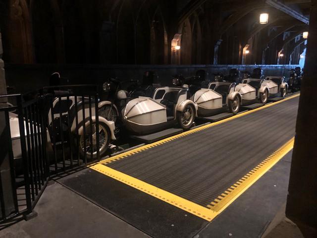 Ra mắt chưa đầy một tuần, tàu lượn Harry Potter đã phải hạn chế hoạt động để bảo trì - ảnh 1