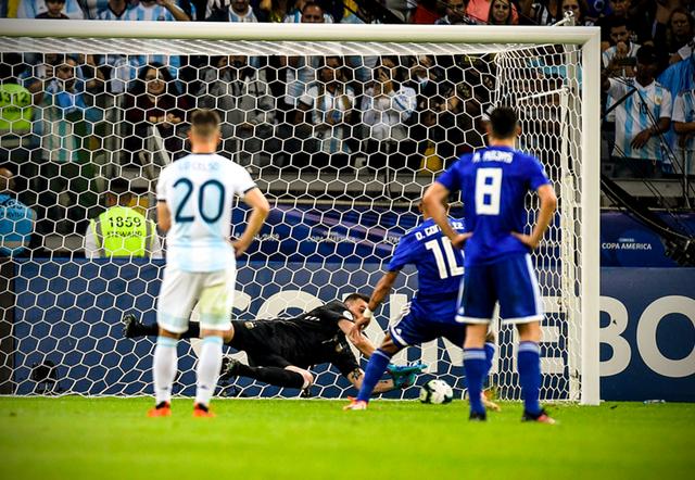 Copa America 2019: Lionel Messi ghi bàn, Argentina hòa thót tim trước Paraguay - Ảnh 3.