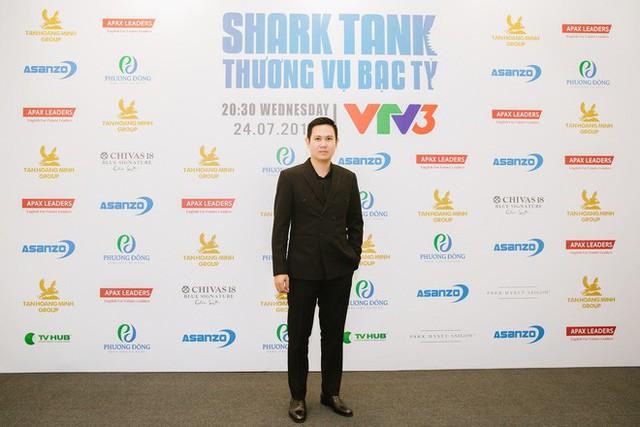 Shark Pham Van Tam.