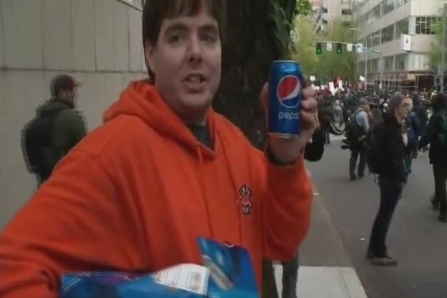 Coca cola, Pepsi là tác nhân hàng đầu gây ô nhiễm đại dương - Ảnh 2.