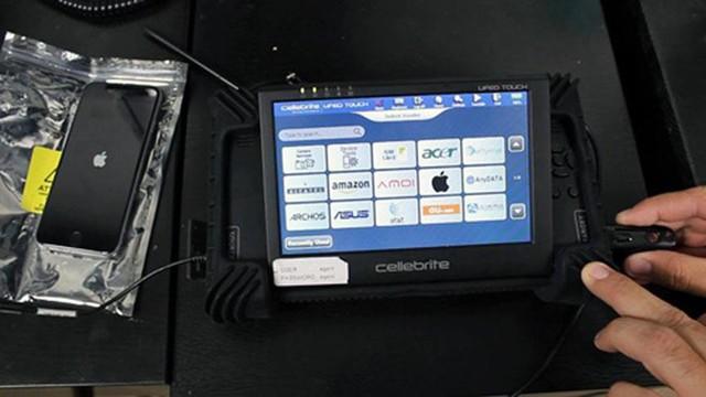 Người dùng iPhone, iPad và smartphone Android cần cẩn trọng với thiết bị này để tránh lộ dữ liệu - Ảnh 1.