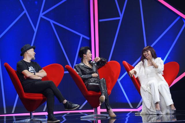 Vì mê trai đẹp Huỳnh Anh, giám khảo Thu Phương và Phương Thanh chấp nhận làm thí sinh để được song ca - Ảnh 2.