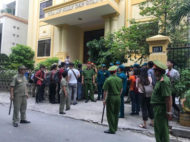 Toà yêu cầu làm rõ căn cứ buộc tội Nguyễn Hữu Linh - Ảnh 2.