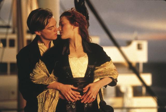 """""""Rụng tim"""" với những nụ hôn ngọt ngào nhất trên màn ảnh - Ảnh 1."""