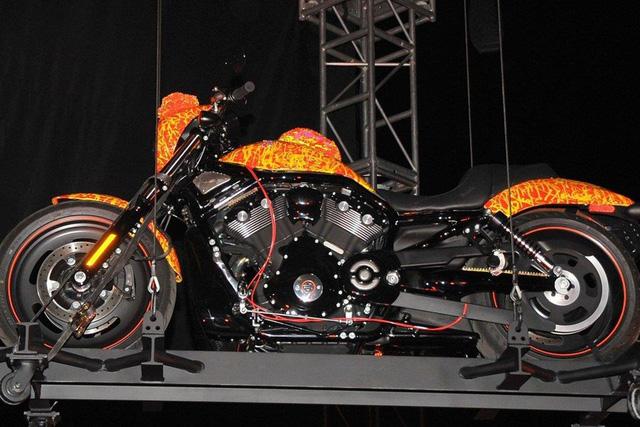 """2 mẫu mô tô xấu lạ nhưng có giá bán """"trên trời"""" - Ảnh 3."""
