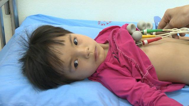 Bệnh nhi tim bẩm sinh 6 tuổi cần giúp đỡ với số tiền phẫu thuật 62 triệu đồng - Ảnh 1.
