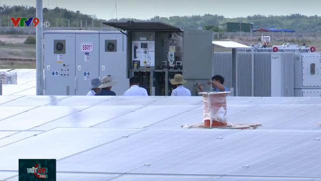 Ninh Thuận: Nhà máy điện mặt trời Bàu Ngứ hòa lưới điện quốc gia - Ảnh 1.