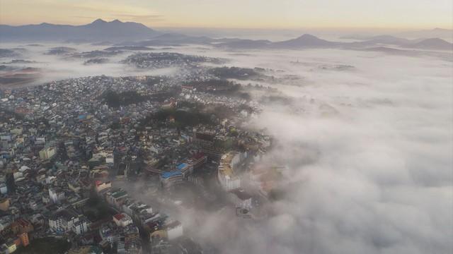 Mùa săn mây ở Đà Lạt - Ảnh 2.