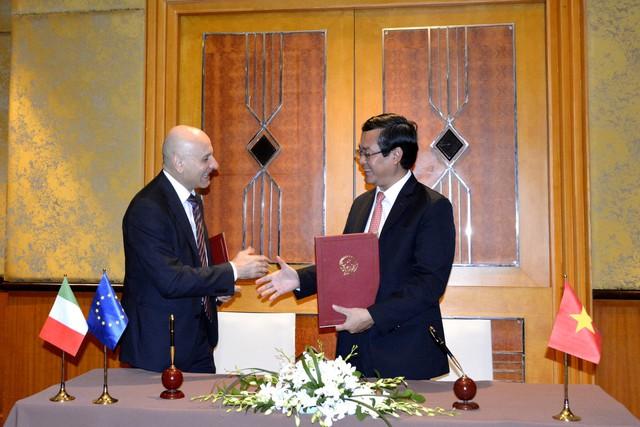 Ký kết chương trình hành động về hợp tác giáo dục Việt Nam - Italy giai đoạn 2019-2022 - Ảnh 2.