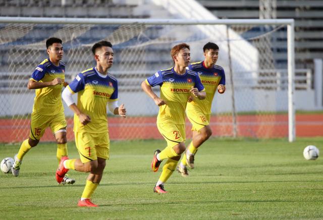 ĐT Việt Nam tập nhẹ, sẵn sàng cho trận chung kết Kings Cup 2019 gặp ĐT Curacao - Ảnh 15.