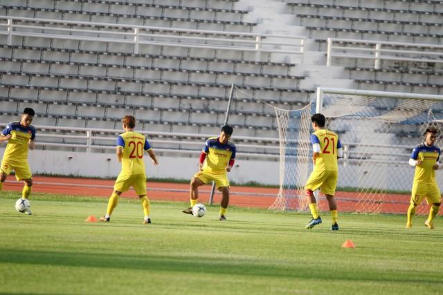 ĐT Việt Nam tập nhẹ, sẵn sàng cho trận chung kết Kings Cup 2019 gặp ĐT Curacao - Ảnh 8.