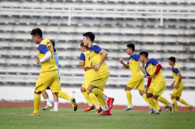 ĐT Việt Nam tập nhẹ, sẵn sàng cho trận chung kết Kings Cup 2019 gặp ĐT Curacao - Ảnh 3.