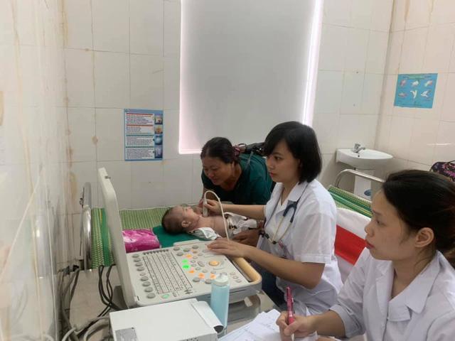 Sáng nay: Gần 1.000 trẻ được khám tim miễn phí tại Nghệ An - Ảnh 5.