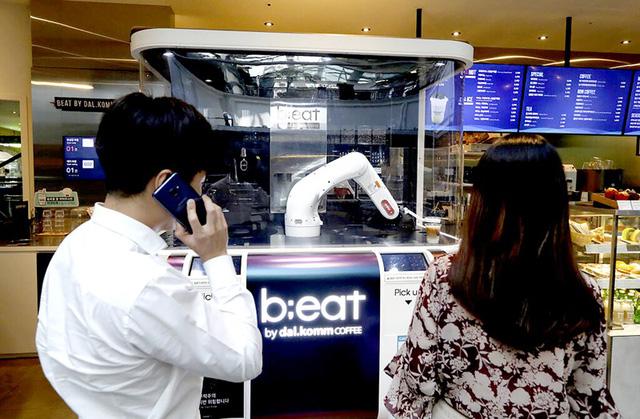 Robot pha cà phê tại Seoul, Hàn Quốc - Ảnh 1.