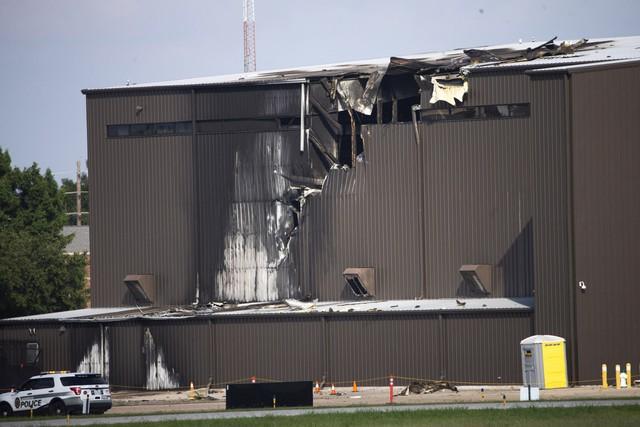 Rơi máy bay tại Mỹ, 10 người thiệt mạng - Ảnh 1.