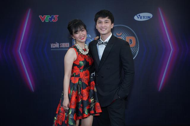 Đinh Hương thừa nhận đứng bên cạnh Huỳnh Anh bao giờ cũng thấy hạnh phúc - Ảnh 1.
