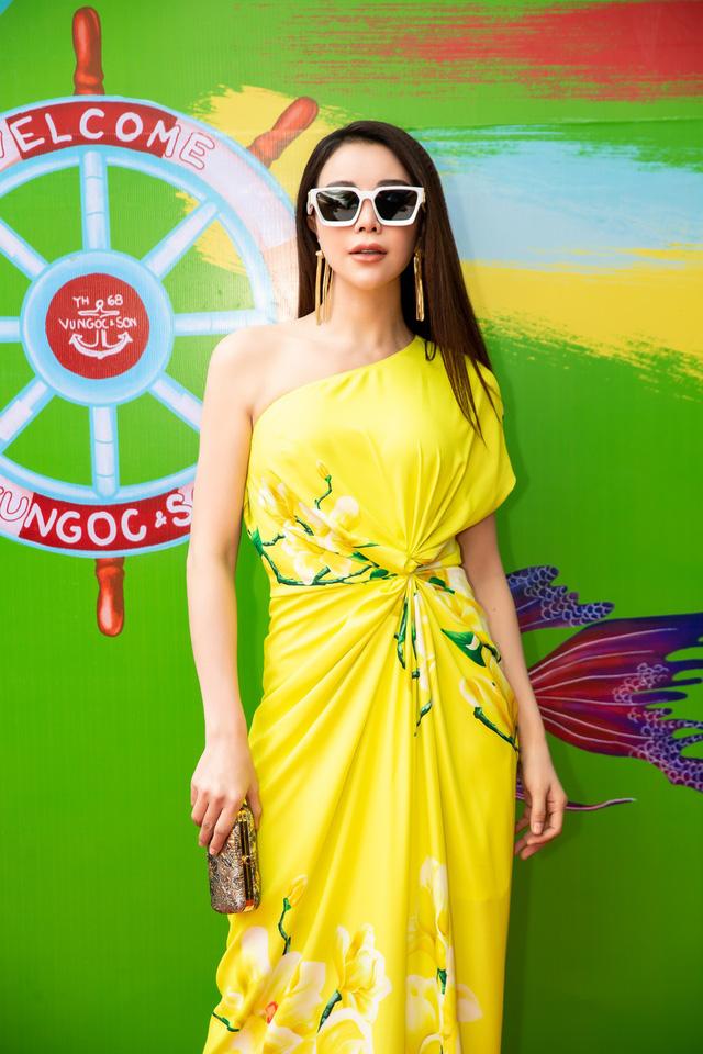 Trương Thị May, Trà Ngọc Hằng rực rỡ tại sự kiện thời trang - Ảnh 1.